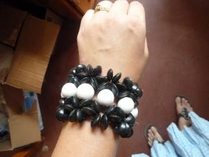 B & w bead bracelet